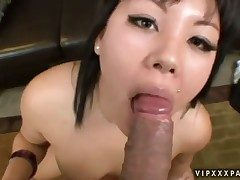 Teen Tina Lee gives herself some pussy chasm